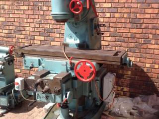 Rocher & Eichler - 380v - 1.2 m x300mm bed - Adjustable head 360 degrees -  Very Strong and Solid Machine - Good working condition